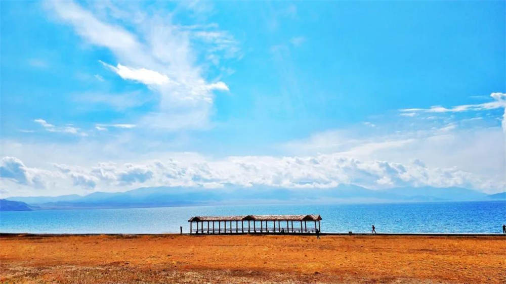 热播综艺都来取景的赛里木湖,果然美不胜收!