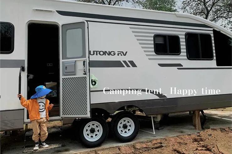 这个适合全家出动的房车营地,让你度过悠然一夏!
